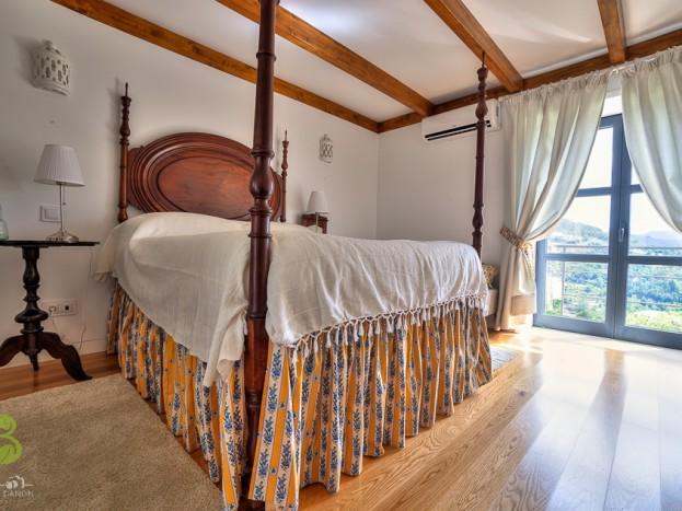 Casa do Sobreiro - master bedroom
