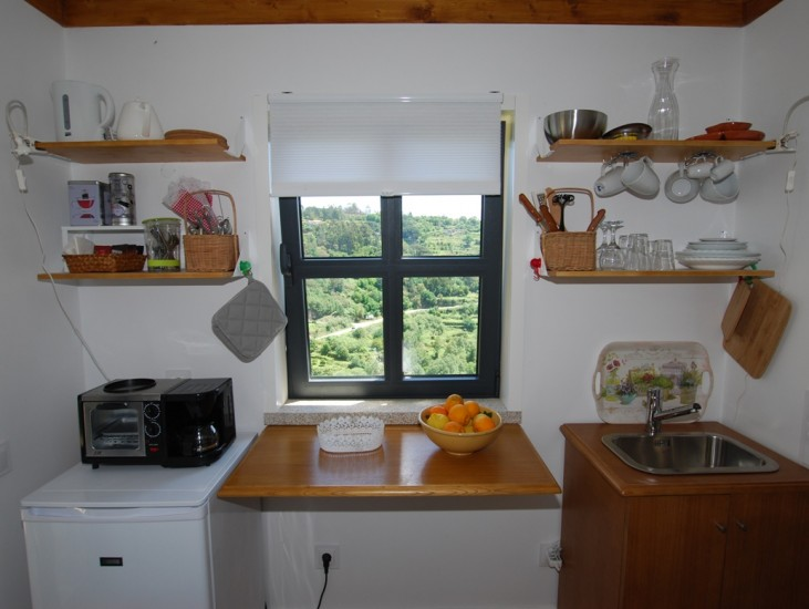 Casa da Oliveira - meal preparation area